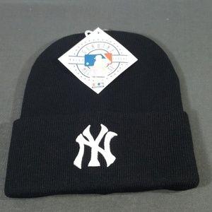 MLB New York Yankees black beanie
